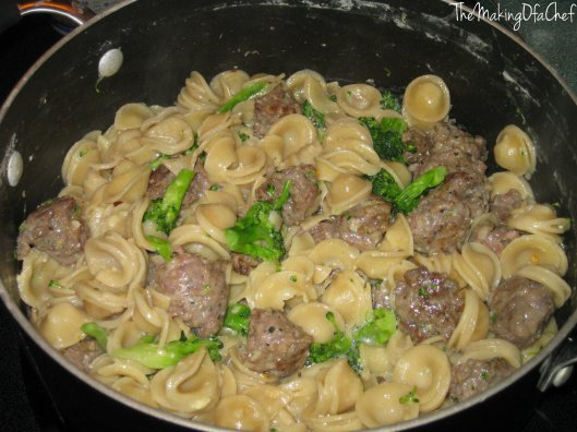 Orechiette with turkey meatballs and broccoli. Or, in simple terms: pasta, some kind of meat and a vegetable.